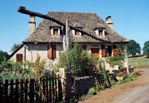 S'installer dans le village de Saint Cirgues La Loutre