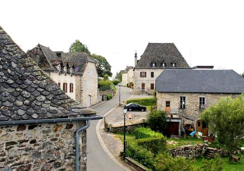 S'installer dans le village de Mercoeur