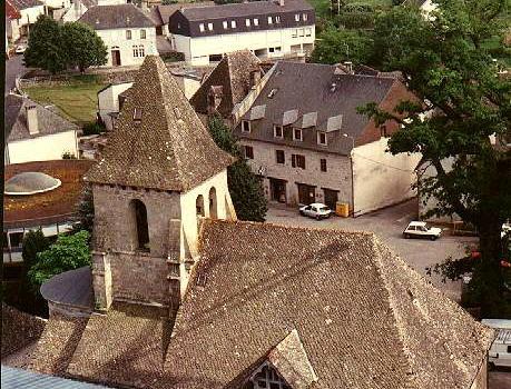 S'installer dans le village de Servières le Château