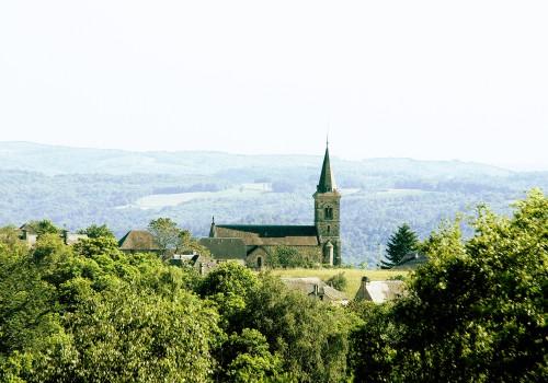 S'installer dans le village de Saint Bonnet Elvert